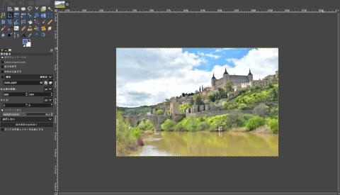画像の読込み:川の横に立つ城 スペイン